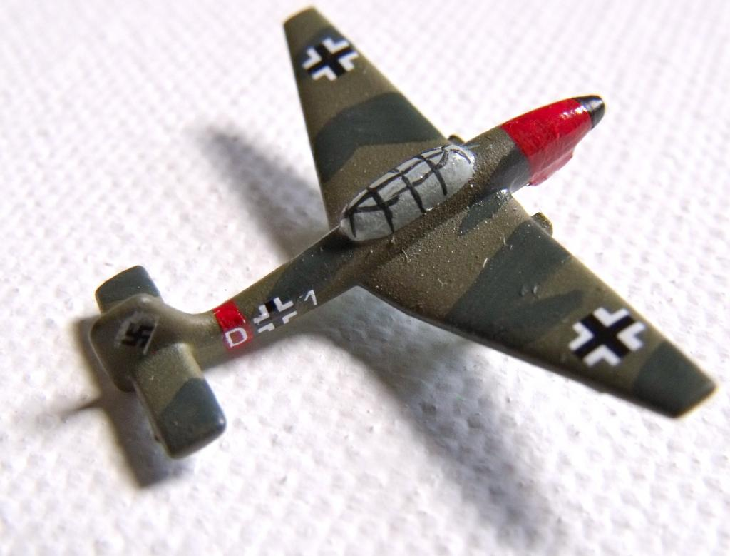 Bomber, Dive German (JU-87)_green camo-01LH.jpg