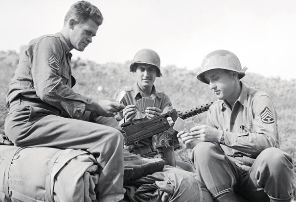 soldiers-playing-cards.jpg